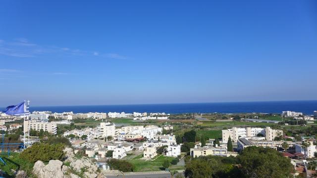 вид на кипрский городок